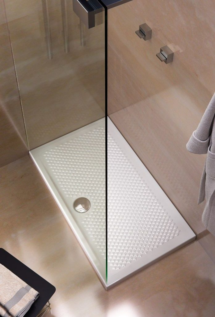 materiali piatti doccia